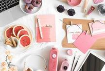 Beautiful Blog Design / Typography, graphic design, branding, colour palettes, doodles, drawings, logos and the coolest fonts to help inspire a beautiful blog that represents your creative business. www.secretbloggerbusiness.com