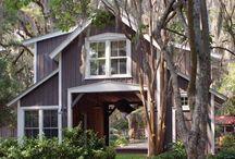 Dream Farmhouse / by Kathy Holen