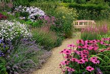 Inspiring Gardens / Beautiful spaces and inspiring herbal treats