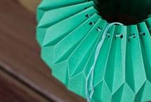 ♢ Accordion Paper Folds / I love accordion paper folds and how the use of valley, mountain and inside reverse folds can transform paper into pieces of art.