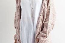 FASHION / Women's fashion - Neutral and simple fashion