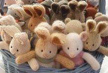 Knitting / by Homespun Handmaiden