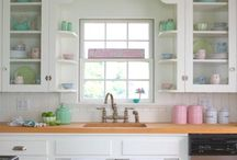 Kitchen, Pantry & Laundry / by Kellie (Sparkly Fabtastic)
