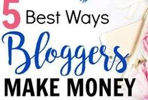 B L O G | Money Making Ideas / A collection of posts that help you make money with your blog or increase your income.