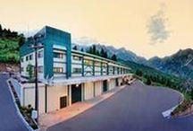 "Facilities / Οι εγκαταστάσεις του εργοστασίου του Φυσικού Μεταλλικού Νερού ""Πηγές Κωστηλάτας στην Ήπειρο"""
