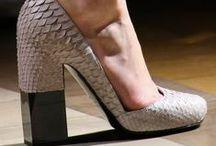 zapatos / by reme espinosa