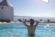 ByPaula | Boek / Alles over mijn boeken:   Koken met Vrienden: Koken met vrienden is een boek voor de liefhebber van lekker eten. Geserveerd met verhalen van hobbykoks, die door Paula met zorg werden uitgezocht. Ze werken allemaal mee aan het 152 pagina's rijk geïllustreerde kookboek. Fraaie vormgeving en prachtige verhalen achter het recept.   Beautiful Naxos: Beautiful Naxos is een sprankelend reisverslag van een reisleidster in Griekenland over de Cycladen en het eiland Naxos in het bijzonder.