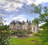 Châteaux de mariage / Sélection des plus beaux châteaux pour un mariage somptueux en France. Retrouvez plus d'inspiration mariage sur www.zankyou.fr