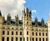 Lieux de réception en Pays de la Loire / Sélection des plus beaux lieux de réception en Pays de la Loire pour un mariage inoubliable. Retrouvez plus d'inspiration mariage sur www.zankyou.fr