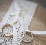Alliances / Une sélection d'alliances. Diamants, pierres iconiques, platine, or jaune, or blanc, or rose... Retrouvez plus d'inspiration mariage sur www.zankyou.fr