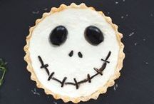 Halloween! / Everything Halloween -- food and recipes for kids -- parties, dinners -- desserts. Spooky and kooky costumes -- makeup -- decorations -- DIY.