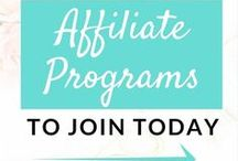Affiliate Marketing For Bloggers / Are you a blogger looking to make money online? Give affiliate marketing a try. This board is full of resources for affiliate marketers that will help you make affiliate sales and make money from home. Make money blogging by recommending products you love. Check out my affiliate marketing training: https://thesheapproach.com/affiliate-marketing-training-bundle/