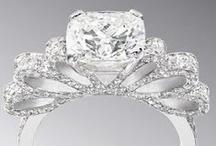 ENGAGEMENT RINGS / Bigtime bling love. Engagement rings, diamond rings, vintage rings.