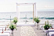 COASTAL weddings / {wedding planning} coastal, nautical, beach, summer wedding inspiration : foto matrimonio al mare e sulla spiaggia, conchiglie, stelle marine, toni dell'azzurro, colori del mare