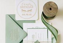 SAGE GREEN weddings / {wedding planning} sage bridesmaids, invitations, cakes and more : damigelle, inviti e torte verde salvia per un tocco country raffinato