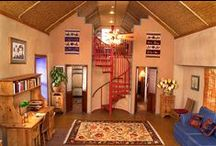 Straw Bale Houses / Beautiful homes and decor using straw bales.