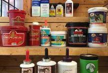 Soins des pieds / La Sellerie de la Chambrière offre une gamme complète de produits pour le maintien en santé des sabots de votre cheval.