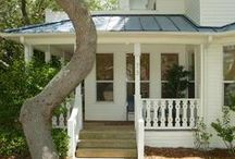 Crystal Beach Cottage for Sale in Destin, FL / Have you wanted to buy your own beach cottage. Well look no further.