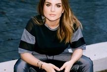 JOJO / She's so pretty, and her voice is absolutely phenomenal..
