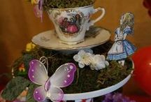 Alice In Wonderland Party Ideas / Everything from costumes, cakes and decor