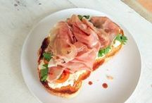 Paninis, tartines, sandwiches / Everything goes with a great bread!