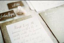 - MARIAGE EN DORÉ - / Retrouvez dans ce tableau, des idées pour organiser un mariage en doré... www.lamarieeauxpiedsnus.com