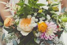 - MARIAGE COLORÉ - / Retrouvez dans ce tableau, des idées pour organiser un mariage coloré... www.lamarieeauxpiedsnus.com