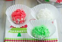 Christmas Cookie Exchange Recipes / Hosting or going to a Christmas Cookie Exchange this holiday season. Looking for some Christmas Cookie Exchange Recipes? Check out these yummy cookie and holiday treat recipes to make your holiday cookie exchange a success.