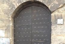 Portas do Mundo / Só portas de lugares do mundo! Cada uma tem sua história, seu valor...