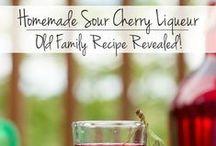 DIY Sodas & Syrups / DIY How to make your own homemade sodas and syrups for homemade drinks and beverages.