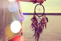 Dream catchers <3 / i'm a little obsessed with dream catchers  / by Deeanna Welling