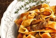 Food: Recipes to Try / by Stephanie Somsuntan-Whitman