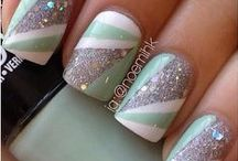 Noticable Nails / by Laura Hargraves