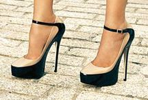 Style-n-Shoes / by Laura Hargraves