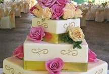 WEDDING CAKES AND CUPCAKES / by Heather Lynn