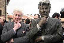 Writers... / Statue, sculpture, sochy...