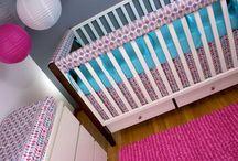 Pink & Aqua Nurseries / Perfect modern nursery for your baby girl! Baby girl nursery ideas, pink and aqua