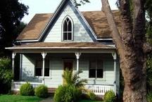Small Houses / by Cynthia Shelton