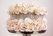 Cake Couture / the art of cake designing  / by Orianne - SoulScribbles