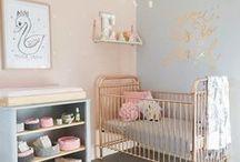 Babykamer *inspiratie* / Het inrichten van de babykamer is misschien wel een van de leukste dingen die je mag doen als aanstaande ouders. Wordt het een kamer voor een jongen of een meisje? En voor welke stijl ga je? Scandinavisch, modern of misschien wel pastel. Gebruik dit bord ter inspiratie!