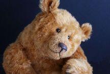 Admiring teddy bear art / Original teddy bear designs by talented bear artists    / by Paula Carter