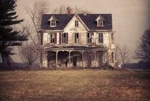 Houses / by Knits & Crafts