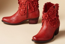 Boots and Shoes / by Joan Altman