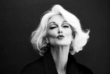 Carmen Dell'Orefice / Con tan sólo 13 años, Carmen Dell'Orefice comenzó su carrera de modelo en una sesión fotográfica para la revista Vogue.