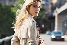 The Art of The Trench Coat #LaGacetaPH / El icónico y versátil trench coat de Burberry define el buen gusto y la elegancia del estilo británico. El sitio Art of the Trench celebra a quienes lo utilizan para crear outfits perfectos. #LaGacetaPH
