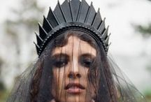 Loschy | Crowns / Handmade crowns and those that inspired them