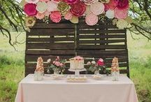DIY Bridal Shower Ideas / Tips and ideas for throwing a lovely and fun bridal shower! Bridal Shower Ideas | Bridal Shower Themes | Bridal Shower Decorations | Bridal Shower Games | Bridal Shower Activities