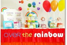 Rainbow Theme Party / Can't pick a color? Choose the whole rainbow! Throw your color loving kid a party they won't forget. Here you can find food, party favor and decor ideas!