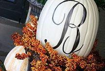 Halloween Decor & Crafts / Halloween decorations, crafts & DIY projects!