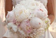 wedding fleur and decor / Wedding flowers, centerpieces and other cutesy wedding decor ideas